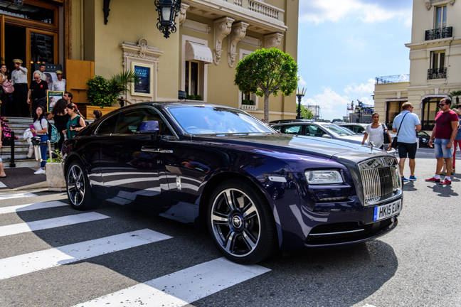 spirit of the ghost taking a rolls royce wraith around france the register. Black Bedroom Furniture Sets. Home Design Ideas