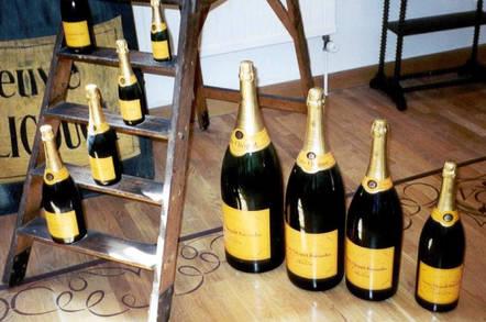 Champagne_bottles