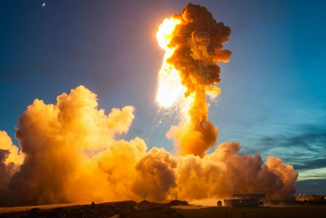 Antares rocket blows up
