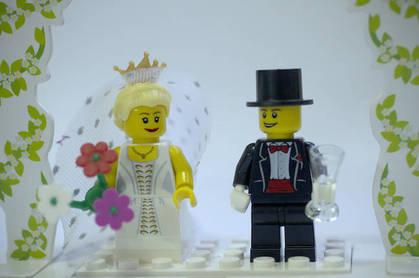 Lego wedding by https://www.flickr.com/photos/advedder/  cc 2.0 attribution generic