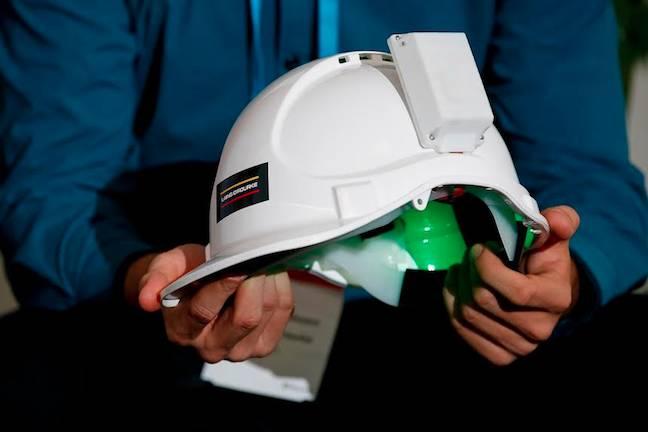 Internet interpretation helmet