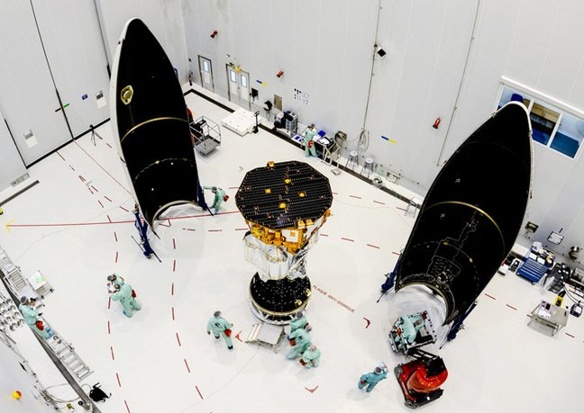LISA Pathfinder about to be enclosed in the Vega rocket fairing. Pic: ESA–Manuel Pedoussaut