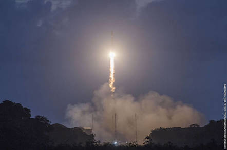 Galileo 7 and 8 liftoff Copyright ESA https://www.flickr.com/photos/europeanspaceagency/