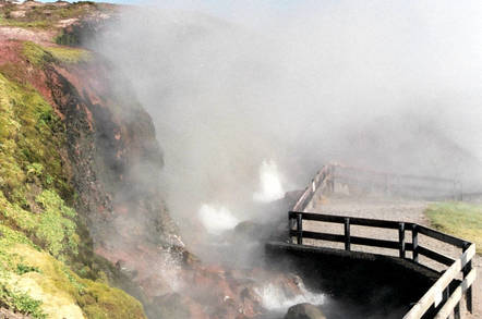 icelandic_hot_spring