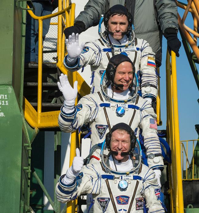 European Space Agency (ESA) astronaut Tim Peake, NASA 'naut Tim Kopra and cosmonaut Yuri Malenchenko before entering the Soyuz yesterday