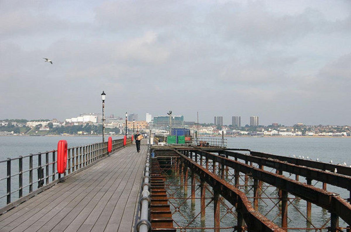 Southend On Sea Splashes 163 1 5m On Hybrid Cloud Data Centre
