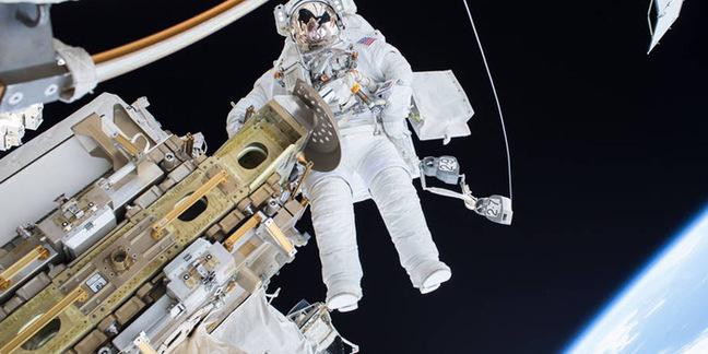 iss spacewalk tim kopra
