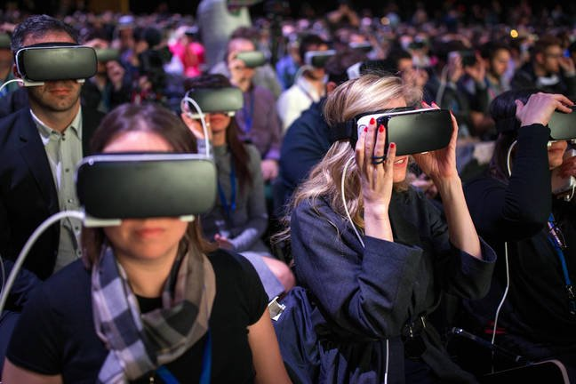 Bemused attendees trying out VR at the Samsung Galaxy S7 launch