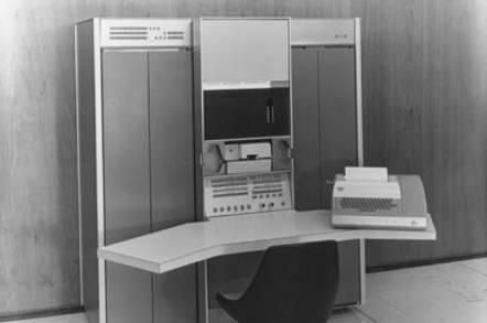 DEC PDP-7 publicity shot