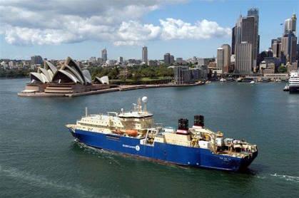 Cable ship Ile de Re