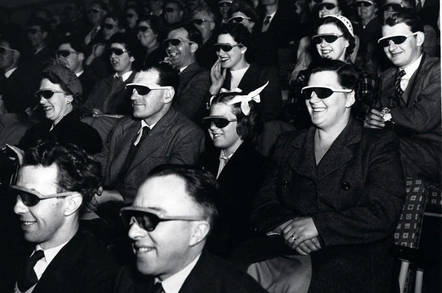 3D_glasses_wearing_audience