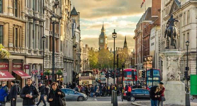 "whitehall road in London. <a href=""http://www.shutterstock.com/gallery-637816p1.html?cr=00&pl=edit-00"">Albert Pego</a> / <a href=""http://www.shutterstock.com/editorial?cr=00&pl=edit-00"">Shutterstock.com</a>"
