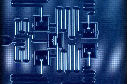 IBM has cloud access to quantum computer 400 times smaller