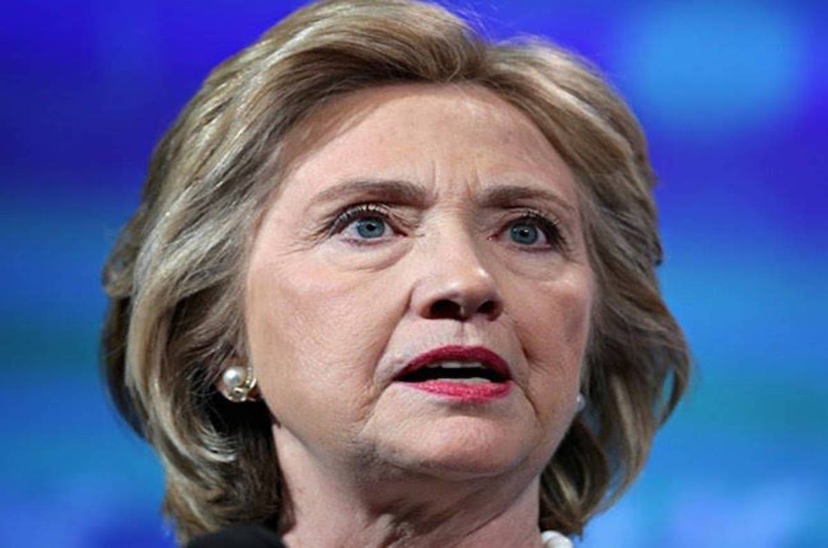 Hillary Clinton broke law with private email server – top ... Hillary Clinton