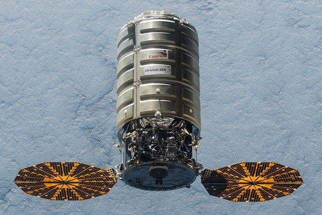 Cygnus approaches the ISS in December 2015. Pic: NASA