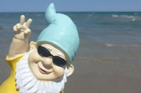 Gnome two fingers, photo via Shutterstock