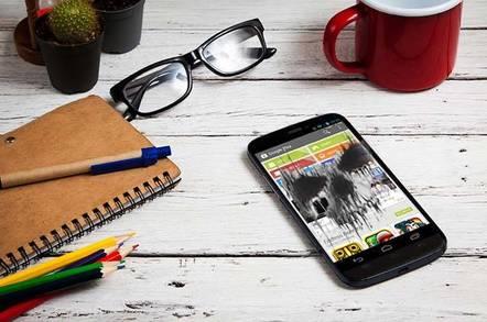 I AM NIKOM / Shutterstock.com
