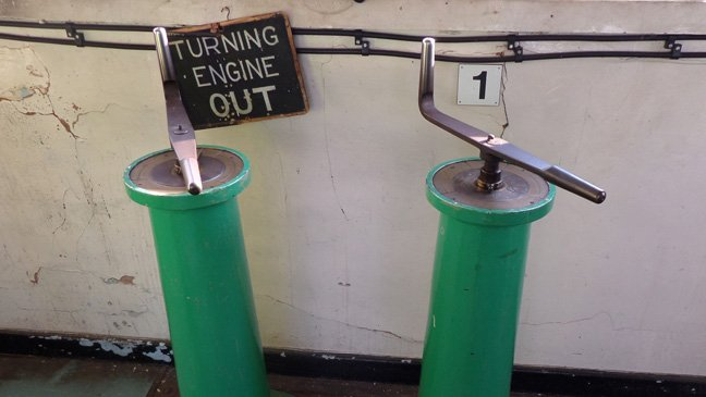 Hydraulic control levers, photo Alun Taylor