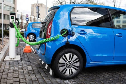 White House to bung electric car industry $4 5bn in loans