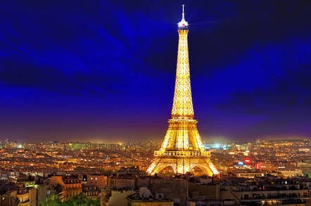 "Eiffel Tower at night with lightshow <a href=""http://www.shutterstock.com/gallery-308986p1.html?cr=00&pl=edit-00"">Brian Kinney</a> / <a href=""http://www.shutterstock.com/editorial?cr=00&pl=edit-00"">Shutterstock.com</a>"