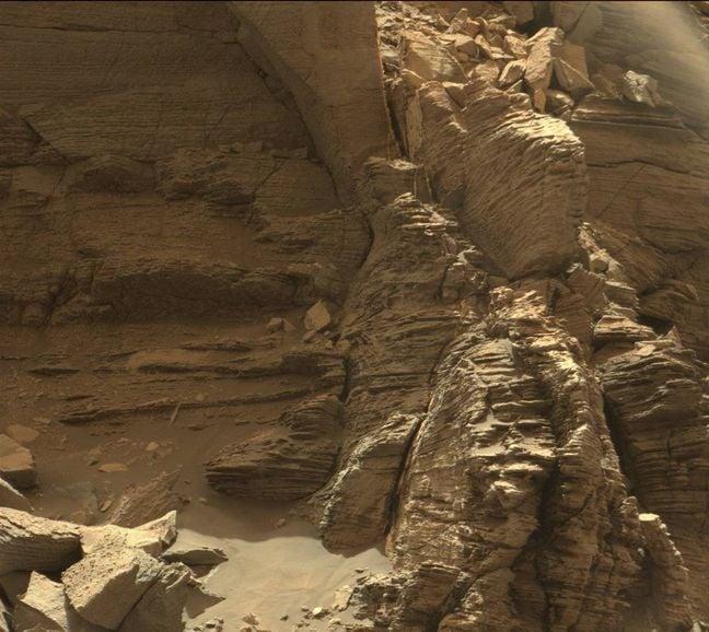 Murray Buttes on Mars. Image Credit: NASA/JPL-Caltech/MSSS