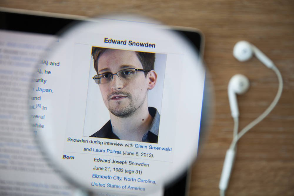 Image of article 'US govt wins right to snaffle Edward Snowden's $5m+ book royalties, speech fees       –       and all future related earnings'