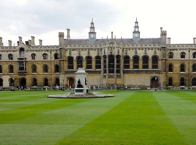 Kings College front court photo by SA Mathieson