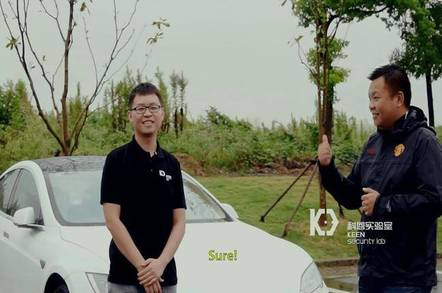 Keen Security Lab senior researcher Sen Nie (left) with director Samuel Lv