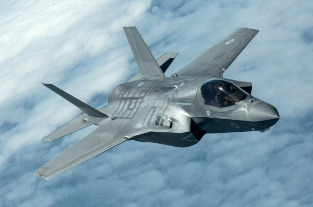 Italian F 35 Facility Rolls Out Its First Stovl Stealth