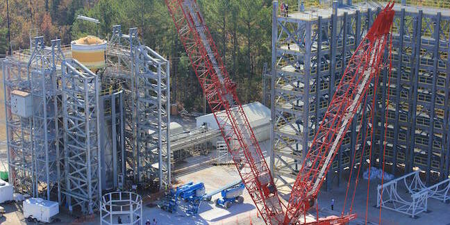 SLS cryo propulsion system in Marshall test stand