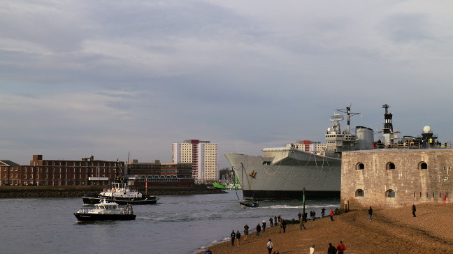 HMS Illustrious leaving Portsmouth. Pic: Kavan