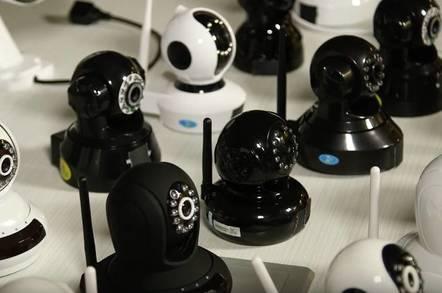 Sigh    'Hundreds of thousands' of    sigh, web CCTV cams still at
