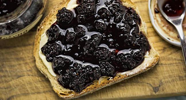 Blackberry jam on toast. Photo by shutterstock