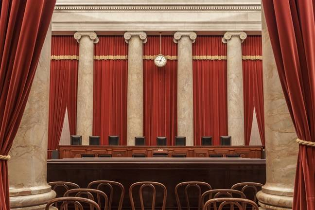Supreme Court hears arguments in Apple App Store price fixing suit