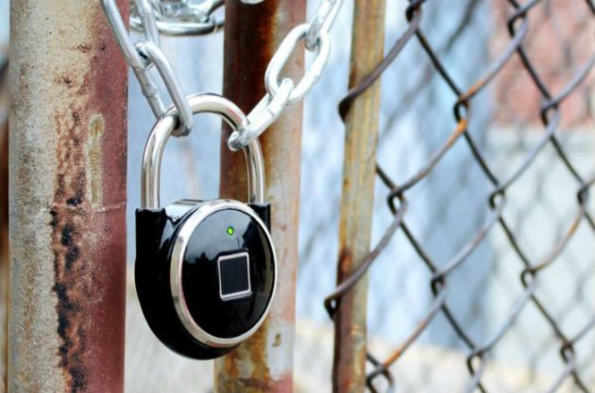 Tapplock_smart_fingerprint_padlock