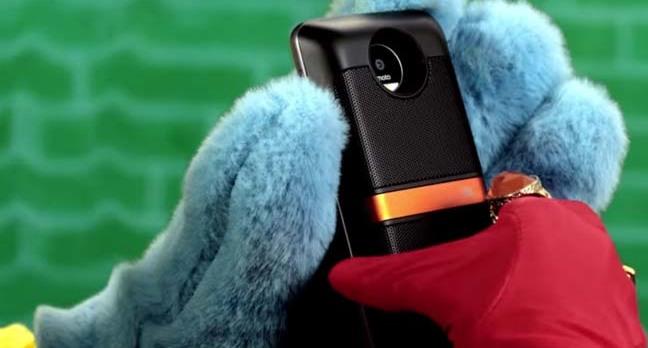 Screengrab of motorola modular phones