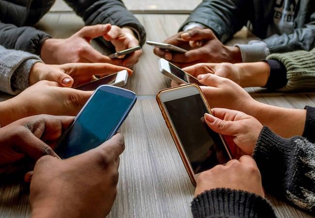 MAC randomization: A massive failure that leaves iPhones