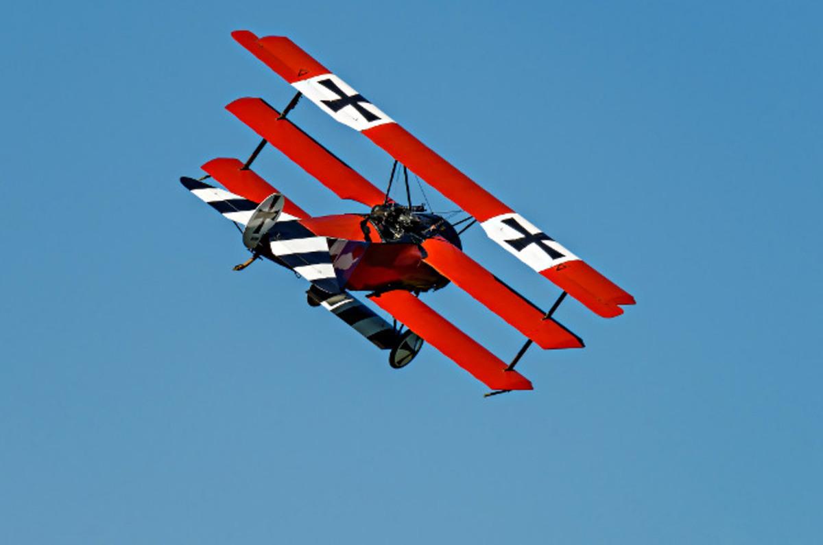 crafty fokker  norfolk surgeon builds red baron triplane