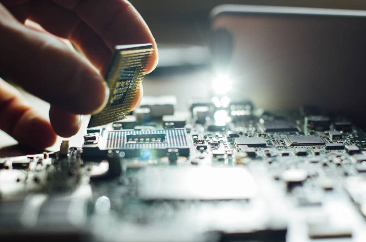 photo image OK, deep breath, relax... Let's have a sober look at these 'ere annoying AMD chip security flaws
