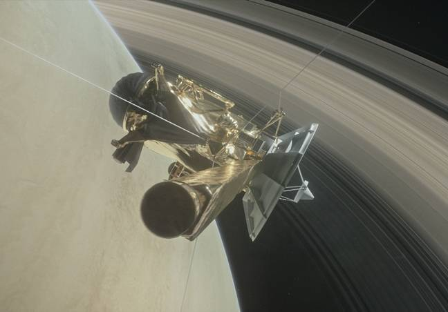 NASA's Cassini Spacecraft Survives Saturn's Ring-Dive, Sends Back Spectacular First Images