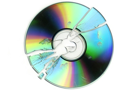 Broken optical disk