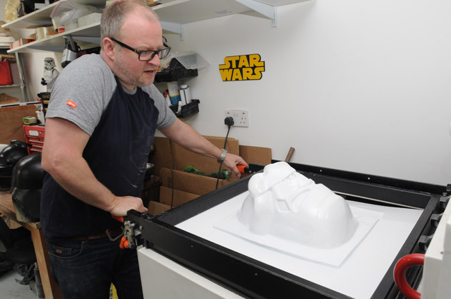 Mark Edwards vac forming, photo by Gavin Clarke