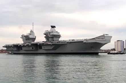 HMS Queen Elizabeth enters Portsmouth Naval Base. Gareth Corfield for The Register