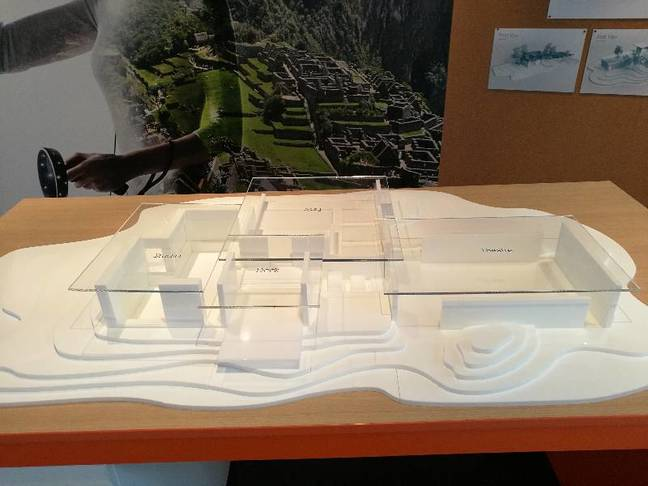 A physical model of the Cliff House used as a kind of 3D Start menu
