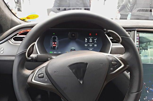 The steering wheel of Bosch's Tesla testbed