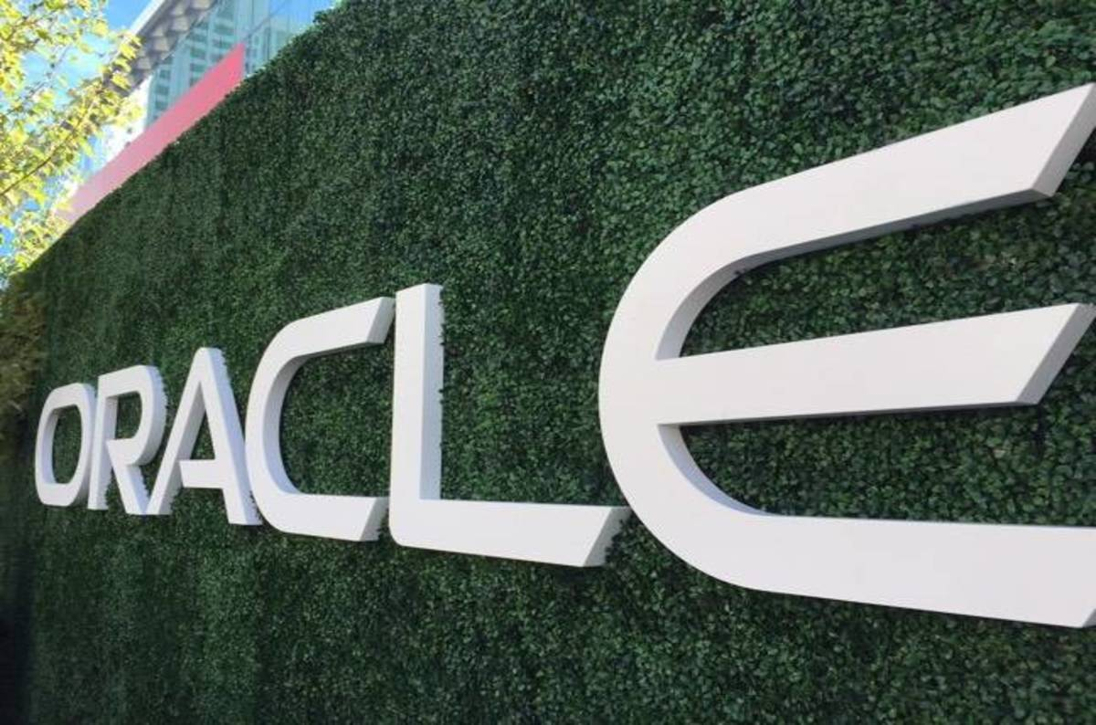 photo image Oracle launches its very own 'net threat map