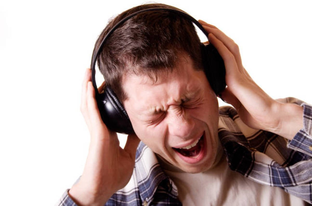Headphones_too_loud_shutterstock