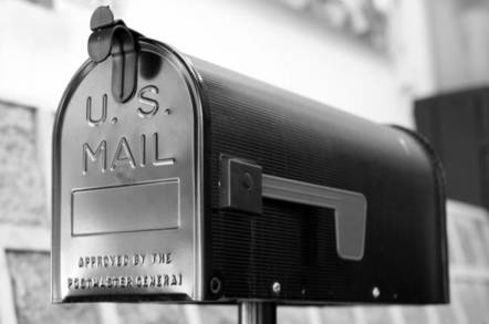 A picture of a US mail box