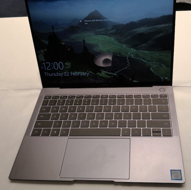 Matebook X full view