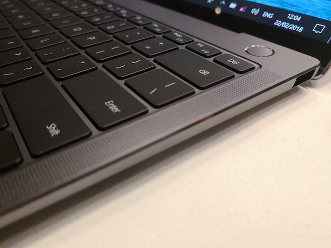 Matebook X – fingerprint in power button